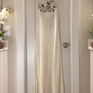 Victoria's Secret 100% Silk ivory lace nightgown .